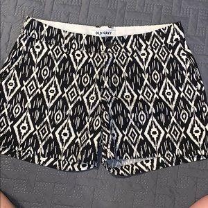 Old Navy Black & White Pattern shorts